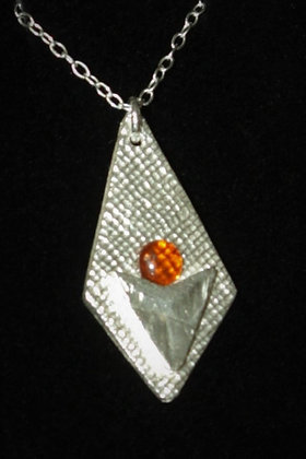2943 - Diamond shape with amber cabochon