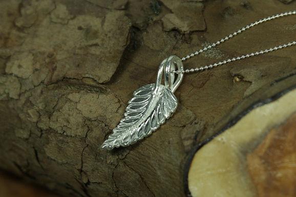 5344 - Curved fern leaf