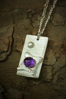 3445 - Rectangle and purple stone