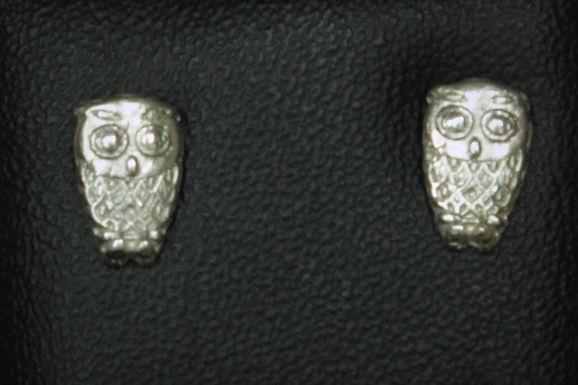 3111 - Small owl studs