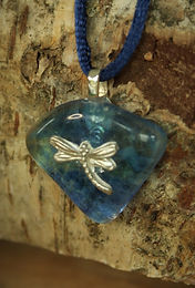 2889 - Dragonfly on blue glass