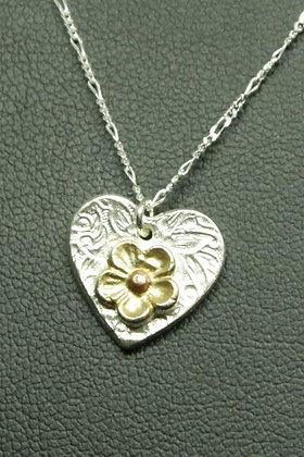 5100 - Textured heart with gold flower