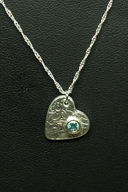5046 - Angled textured heart with mint green stone
