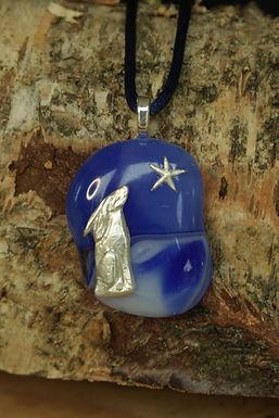 2882 - Stargazing hare on blue/white glass