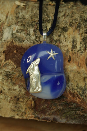 2882 - Stargazing hare on blue/white glass