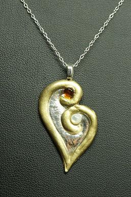 5192 - Gold edged stylised heart