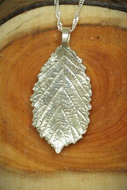 3408 Medium Bramble leaf