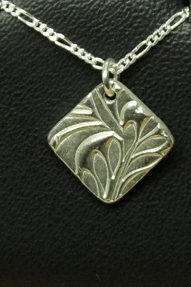6224 - Deeply textured diamond shape