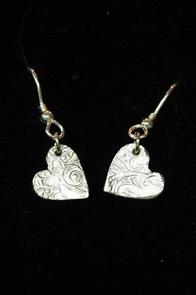 3585 - Small dangly heart earrings