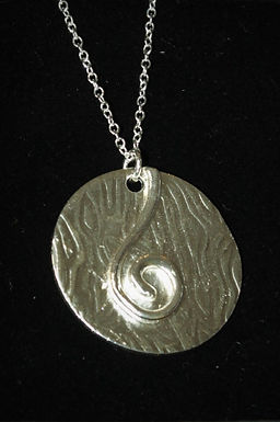 2935 - Large circle and swirl