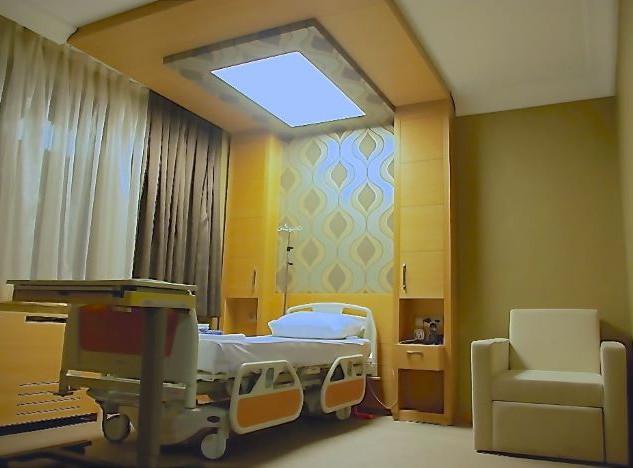 4 Patient Room.jpg