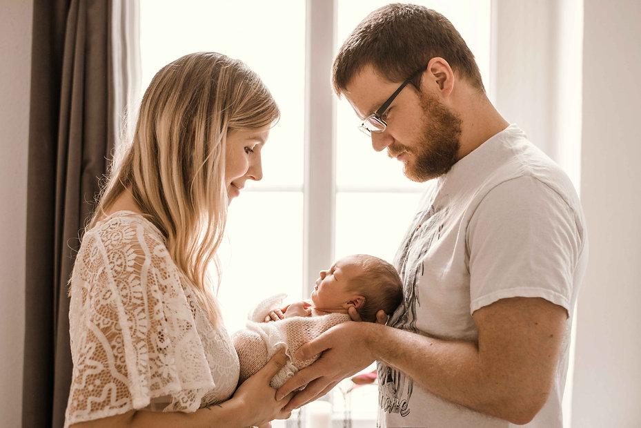 Babyfotograf Bonn natürliche Familienfotos
