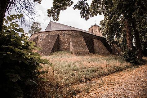 Hochzeitsfotograf Düren alte Kirche Langerwehe