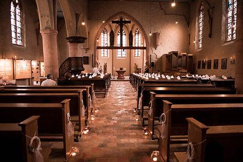 Hochzeitsfotograf Düren Langerwehe Kirche Innen