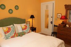 Room 5a, Deep yellow room, bedding