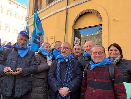 La mobilitazione continua: nuovi presidi unitari a Roma