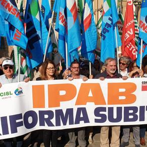 Riforma Ipab, 500 pensionati davanti alla Regione