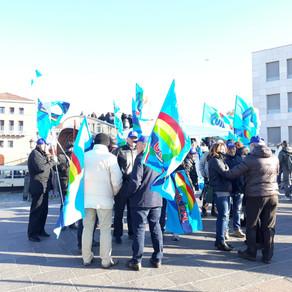Riforma IPAB: il presidio della UIL Veneto a Venezia