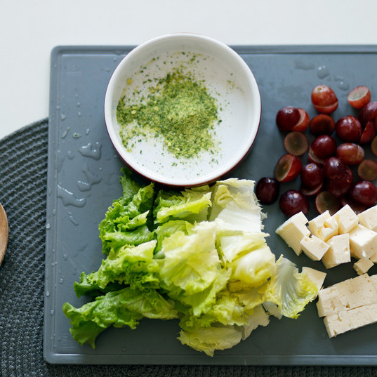 cheese-chopping-board-close-up-1563636.j