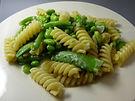 פסטה פוזילי עם ירקות ירוקים