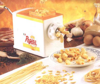 מכונה להכנת פסטות בצורות שונות כולל פסטות חלולות