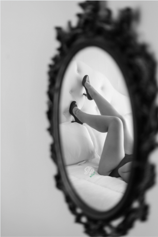boudoir photographer near me