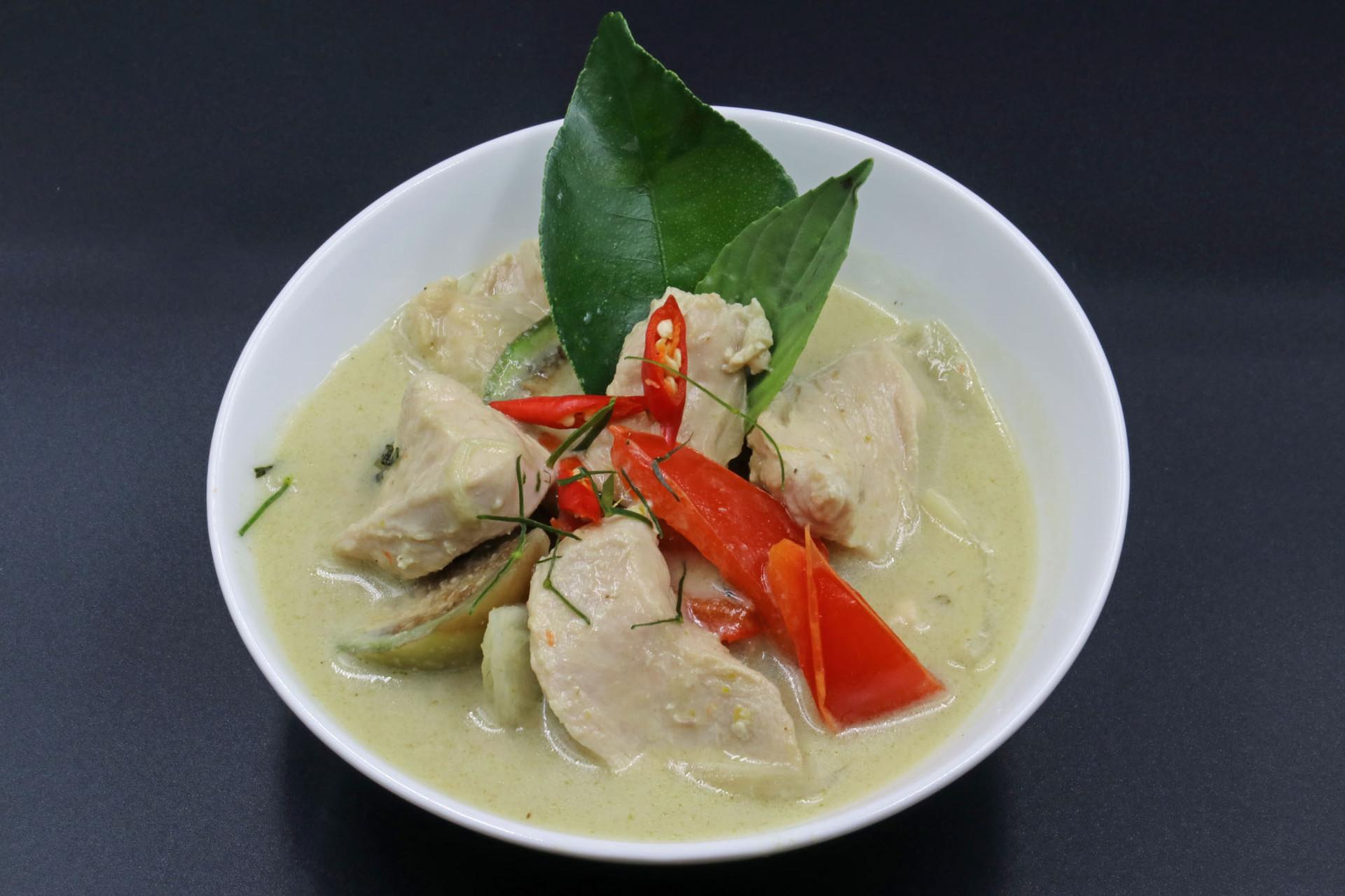 Soupe au lait de coco & curry vert