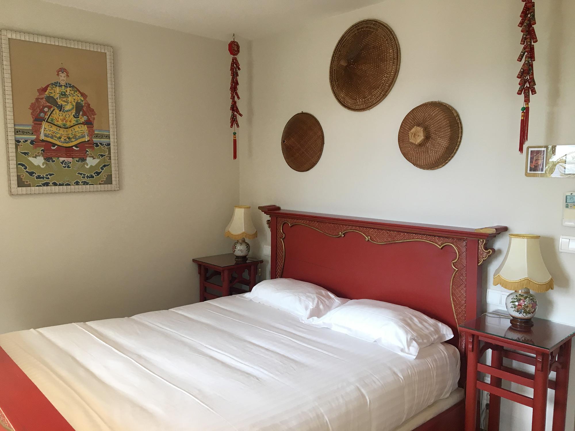 Oriental Bedroom Santa Lucia Hotel