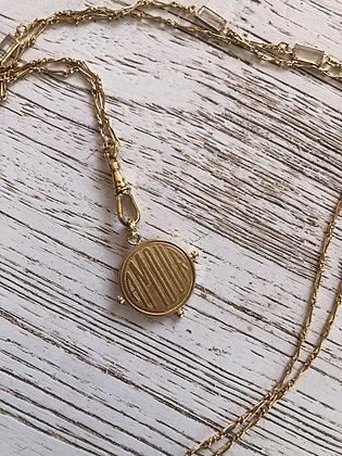 Sautoir , chaîne dorée avec cristaux rectangulaires , longueur chaîne 80cm