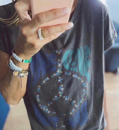TEE shirt one tee peace and love carbone