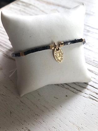 Bracelet cubes hématites , pampille plaquée or
