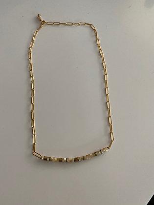 Collier plaqué or avec rondelles nacre