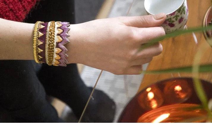 Manchette purple brodé main