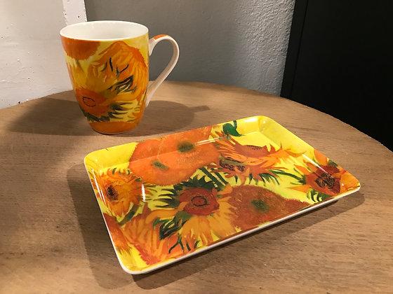 Mug & son plateau Les tournesols de Vincent Van Gogh .