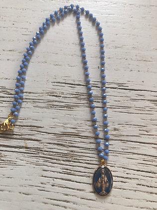 Collier bleu , pendentif vierge
