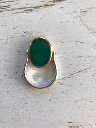 Bague en argent 925 , reversible , une pierre onyx vert et madone