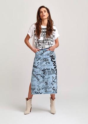 Longue Jupe en jean , fendue , inscription tag noir