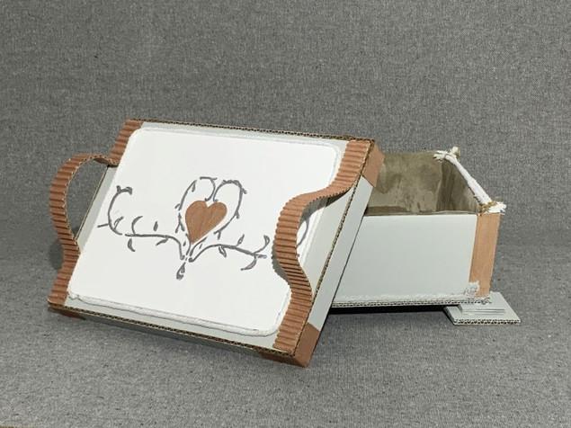 cercueil avec couvercle ouvert