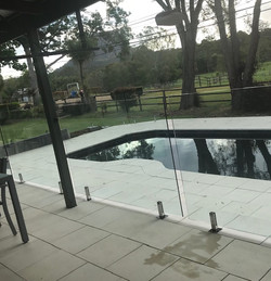 Pamona pool fence glass STC