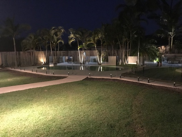 pelican waters glass fence