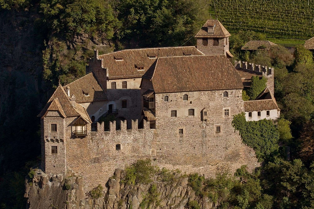 Roncolo Castle