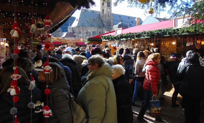 Stalls selling Christams decorations