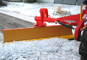 Rabaud blade with snow plough rubber