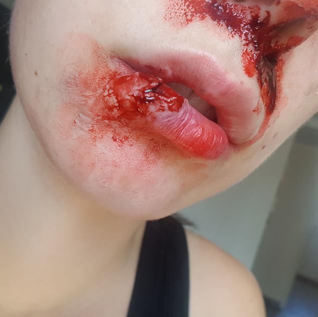 Maquillage lèvre ouverte
