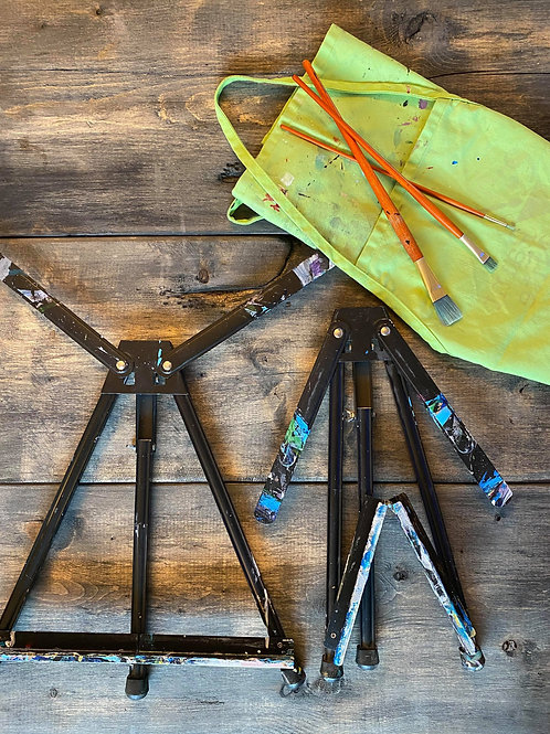 2 used table easels