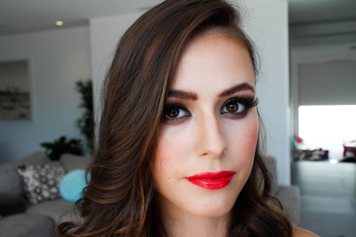 Professional makeup artist wollongong