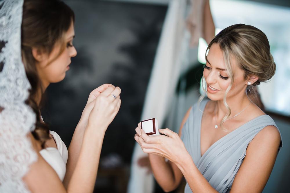bridal makeup artist berry