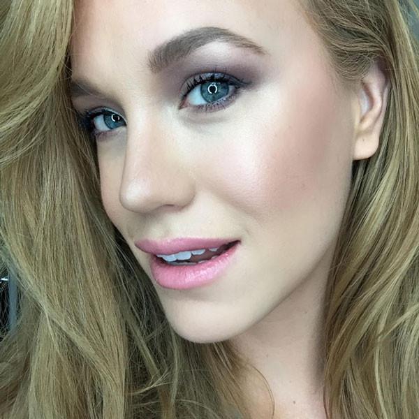 Makeup Artist_Blogger_Oz Product Junkie