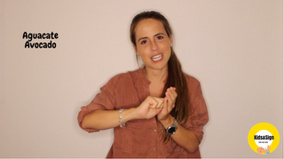 Te lo explicamos en inglés y en castellano porque el Baby Sign potencia el bilingüismo.