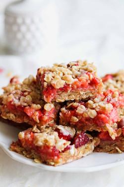 Strawberry Crumb Bars Yum